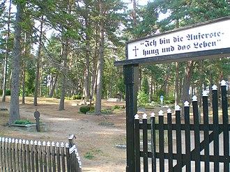 Kursenieki - Image: La malnova germana tombejo de Nida