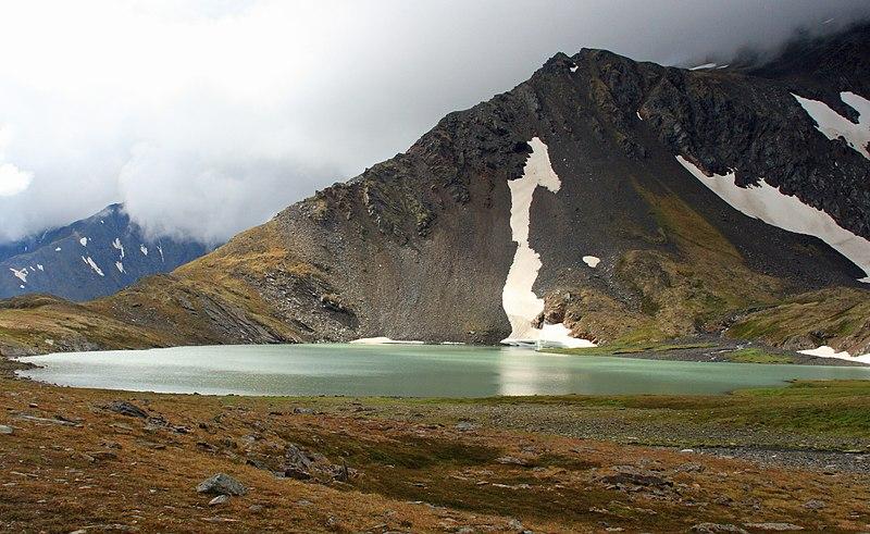 File:Lake on the top near Crow Creek Pass (5369281680).jpg