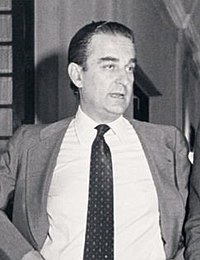 Leopoldo Calvo-Sotelo conversa con el presidente del Congreso, Landelino Lavilla (cropped).jpg