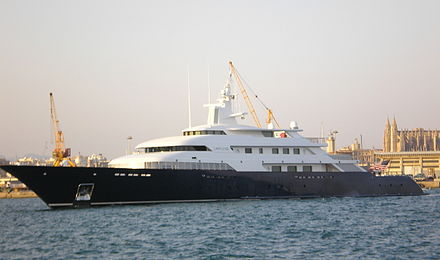 Epstein managed Wexner's wealth and different projects such as the building of his yacht the Limitless. Limitless, Palma de Mallorca, 07.2006 (side).jpg