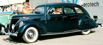Lincoln-Zephyr - Image: Lincoln Zephyr V12 4 D Sedan 1936