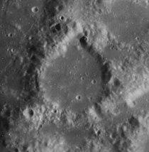 Littrow crater 4078 h3.jpg