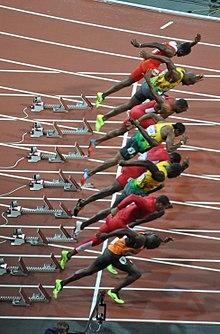 Usain Bolt (7ª corsia, 6º dall'alto) durante la partenza della finale dei 100 metri piani dei Giochi olimpici di Londra 2012.