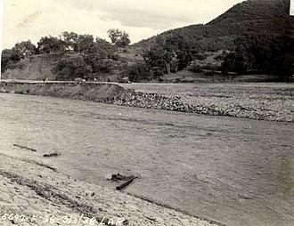 Los Angeles flood of 1938 - Receding floodwaters downstream of Barham Blvd.