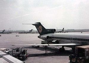 Lufthansa Boeing 727 at Frankfurt.jpg