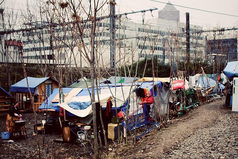File:Lyon 3e derriere-la-cirque.jpg