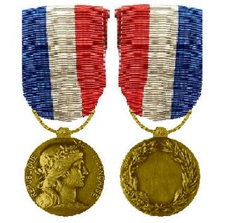Honour medal of Foreign Affairs - Type 1 Honour medal of Foreign Affairs for civilians, silver gilt grade, obverse and reverse