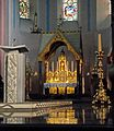 Maastricht, St-Servaasbasiliek, priesterkoor, lezenaar & altaar.jpg