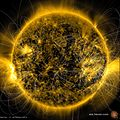 Magnetic Field Lines on the Sun (16389497022).jpg