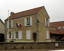 The town hall in Mauchamps