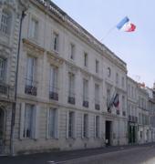 170px-Mairie_rochefort