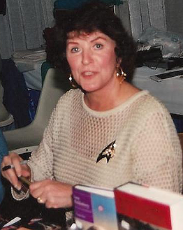Majel Barrett at Gen Con in انڈیاناپولس, انڈیانا in August 2006.