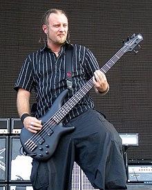Il bassista Marco Coti Zelati