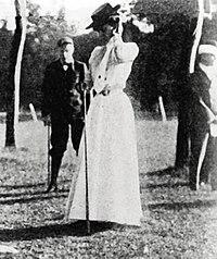 Margaret-abbott-gold-medal-1900-golf.jpg