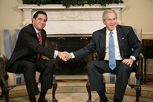 Martín Torrijos - Martín Torrijos and George W. Bush in the Oval Office, February 16, 2007