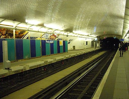 Metro Paris - Ligne 1 - Porte Maillot - Installation facades de quai (10)