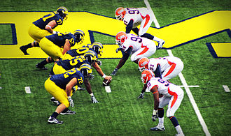 2010 Michigan Wolverines football team - Michigan vs. Illinois, 2010