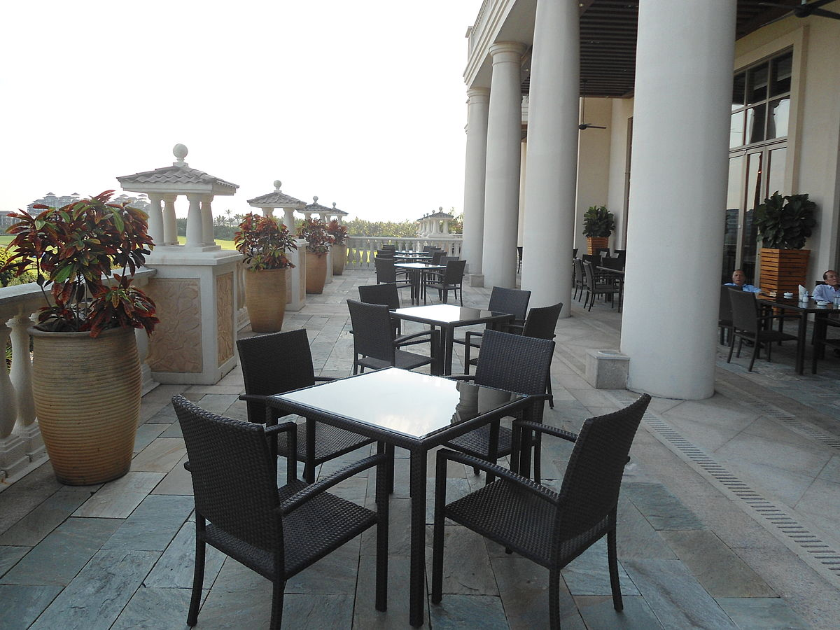 Mission Hills Haikou Clubhouse Patio