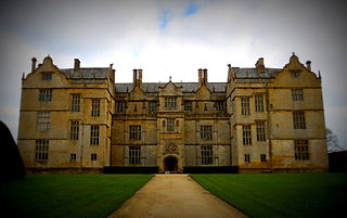 late Elizabethan mansion with garden in Montacute, South Somerset