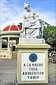 Monument en hommage à la Maternité (Granada, Nicaragua) (7106664927).jpg