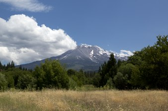 Mount Shasta, is located at the southern end of the Cascade Range in Siskiyou County, California LCCN2013633023.tif