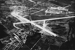 St. Louis Lambert International Airport - Aerial view of Naval Air Station St. Louis in the mid-1940s