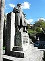 Neirone-monumento caduti.jpg