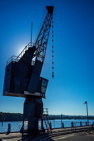 Newington Armory - Newington Armory Wharf crane
