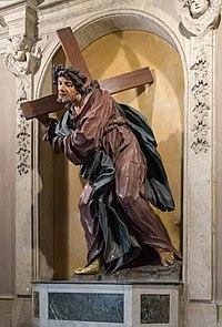 Nostra Signora del Sacro Cuore Cristo in legno di ulivo.jpg