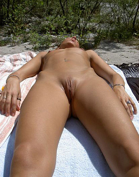 girl casual nude festival pussy