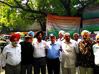One Rank, One Pension - Air Chief Marshal N C Suri, and Admiral L Ramdas, with Maj General Satbir Singh and other veterans.