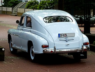 Fastback - continuously sloped four-door sedan: 1950s Warszawa M20