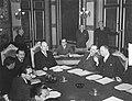 Openingszitting van de Nieuw-Guinea conferentie in Den Haag, Bestanddeelnr 904-3286.jpg