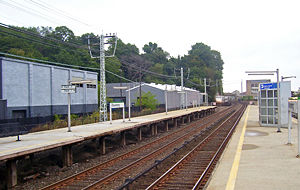 Ossining (Metro-North station) - View southbound along tracks to Sing Sing, 2007
