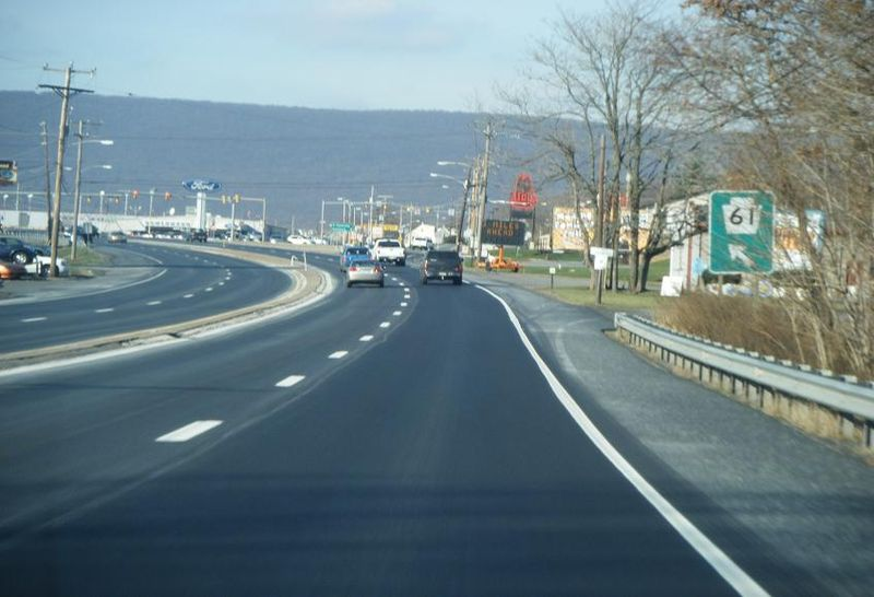 File:PA 61 NB approaching Fourth Street Hamburg 3.JPG