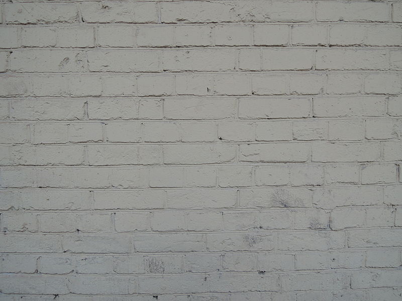 File:Painted white brick wall (Moscow) 02.JPG