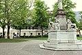 Palais Toggenburg in Bozen Südtirol von Osten (vorne rechts die Mariensäule).JPG