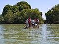 Papyrus boot, de manier van vervoer over het meer.. (6821425893).jpg