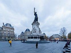 Paris - 2017-12-01 - Place de la République - 5517.jpg