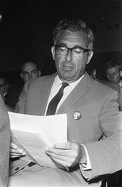 Partijcongres van D66 in Rotterdam dhr. Bert Schwarz, voorzitter van de Landel…, Bestanddeelnr 923-4033.jpg