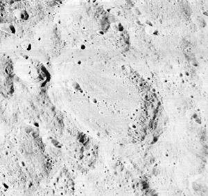 Pavlov (crater) - Image: Pavlov crater 2075 med