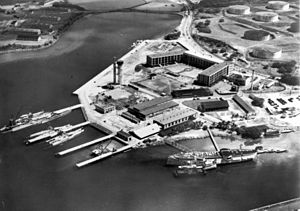 USS Chicago (1885) - Image: Pearl Harbor submarine base in the early 1930s