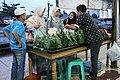 Pengunjung Membeli Nasi Itik.JPG