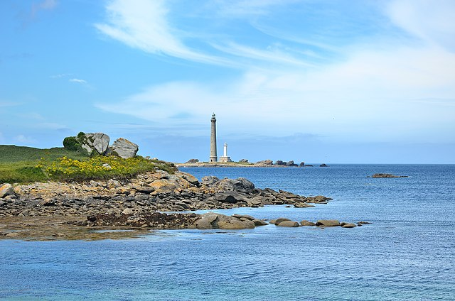 6th place:  Ile Vierge lighthouse, Plouguerneau, Brittany, by Pierrestz