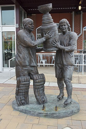 Bobby Clarke - Clarke and Bernie Parent statue in South Philadelphia