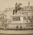 Place des Victoires, Statue de Louis XIV, between 1860 and 1870.jpg