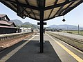 Platform of Bungo-Mori Station 8.jpg