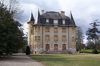 Podensac - Image: Podensac Château Chavat 02