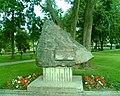 Pomnik ku czci poległych Suwalczan - panoramio.jpg