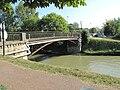 Pont sur canal Chelles.jpg
